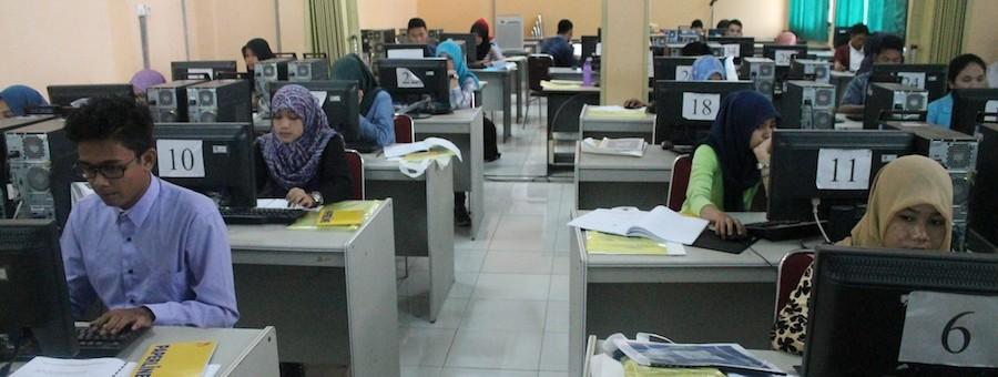 1.000 Mahasiswa Bidik Misi Mengikuti Pelatihan Website di TIK UR